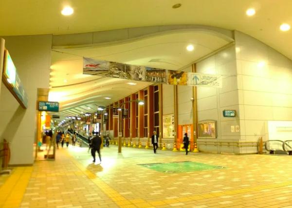 秋田駅連絡通路